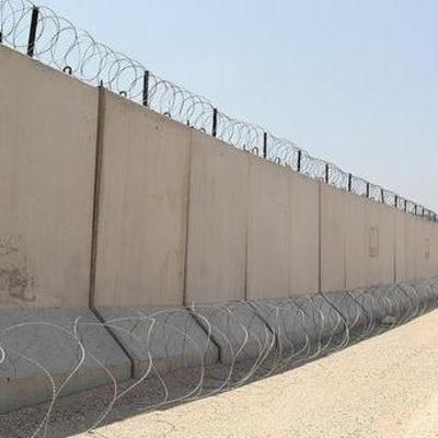 Турция закончила строительство стены вдоль границы с Сирией