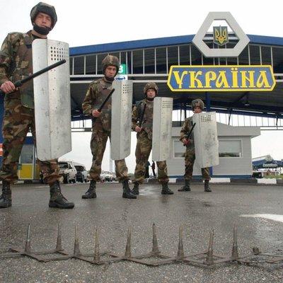 Бронемашины и рвы: Как Украина отгородилась от РФ (фото)
