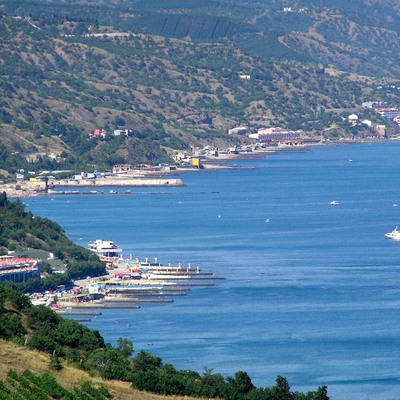 В сети показали фото пустых крымских пляжей
