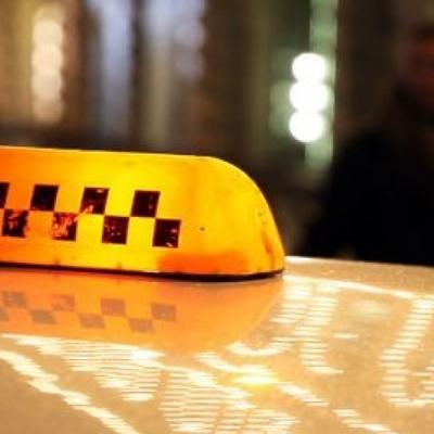В Днепре пассажир зарезал пожилую женщину-водителя такси