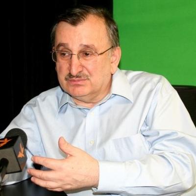 Грузинский депутат стал звездой интернета после неудачного селфи (видео)