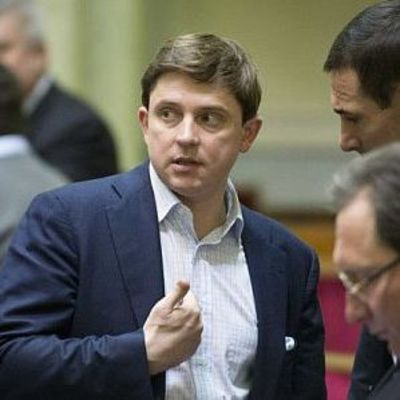 Рада забрала у Довгого депутатскую неприкосновенность