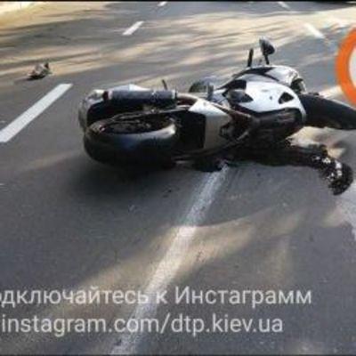 В Киеве на глазах у молодой жены разбились ее муж и мать (видео)