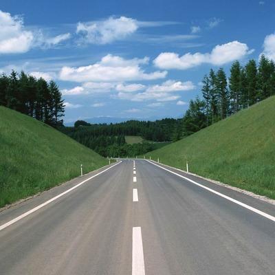 Гройсман рассказал, когда же в Украине появятся хорошие дороги