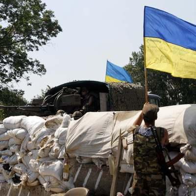 Полсотни обстрелов позиций сил АТО зафиксировано на Донбассе за прошедшие сутки
