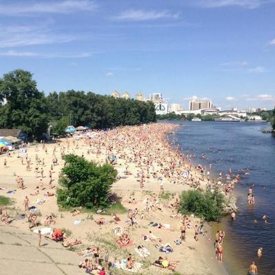 В Киеве временно запретили купаться на 4 пляжах