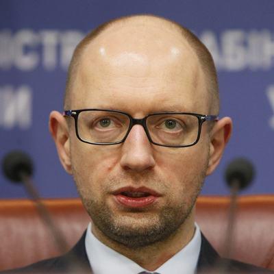 Кортеж Яценюка трижды после отставки экс-премьера сменил госномера