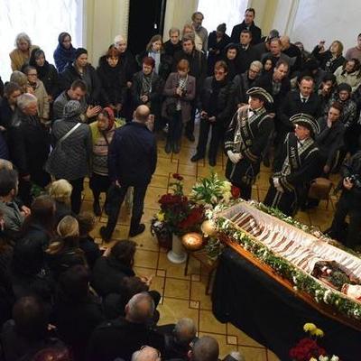 В Киеве попрощались с Оксаной Батько-Нищук  (фото)