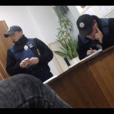 Полицейские на пару с Беркутом решили «зарабатывать» на дорогах