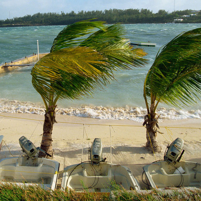 Ураган «Николь» движется в сторону Бермудских островов