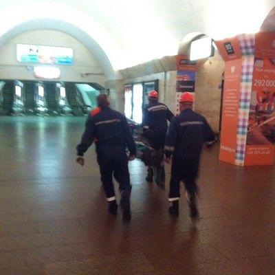 Пьяный мужчина упал под поезд киевского метро