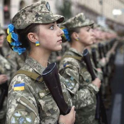 Феминистки подняли скандал из-за поздравления штабом АТО украинских военных