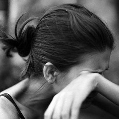 Возле Байкового кладбища изнасиловали женщину