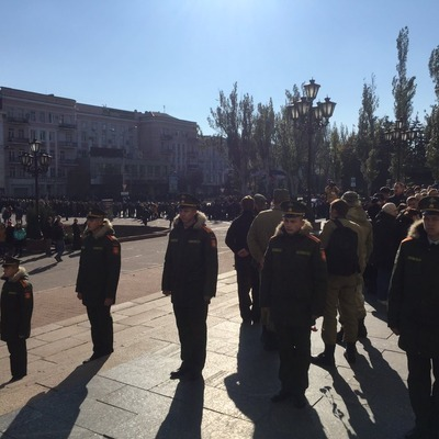 На похоронах Моторолы в Донецке люди выстроились в очередь (видео)