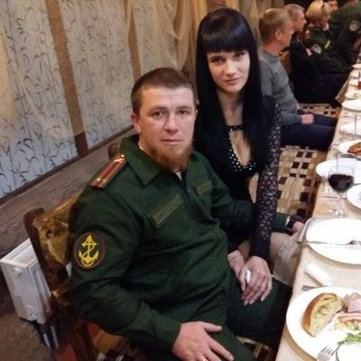 Любовь с террористом: вдова Моторолы выкладывала в соцсети трепетные фото с боевиком (видео)