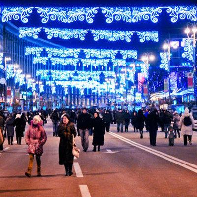 Готовимся к Новому Году: центр Киева украшают праздничной иллюминацией (фото)