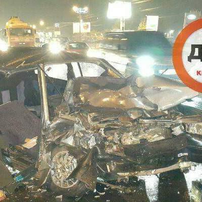 Ужасное ДТП: пассажиров пришлось вырезать из авто (фото)