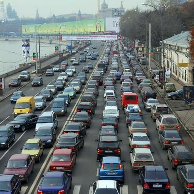 Туда лучше не ехать: Центр Киева погружен в 9 бальные пробки