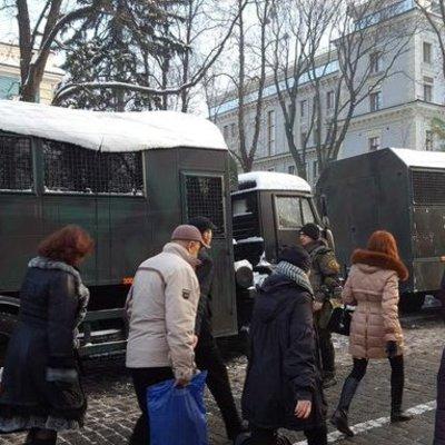 Киев в ожидании массовых протестов: перекрыто Институтскую и Крещатик (фото)