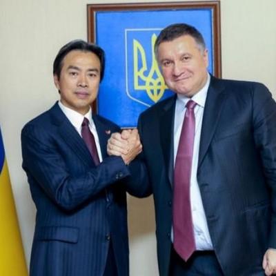 Аваков пригласил китайцев реформировать МВД