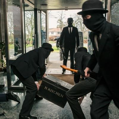 Как украсть 7 миллионов: опубликованы фотографии с места крупной кражи в Киеве