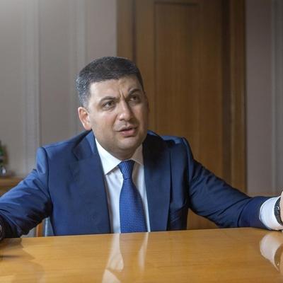 «Подбирайте слова!»: Мельничуку досталось от премьера за оскорбление министра обороны (видео)