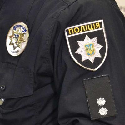 В Киеве напали на женщину-полицейского, оформлявшую ДТП (Обновлено)