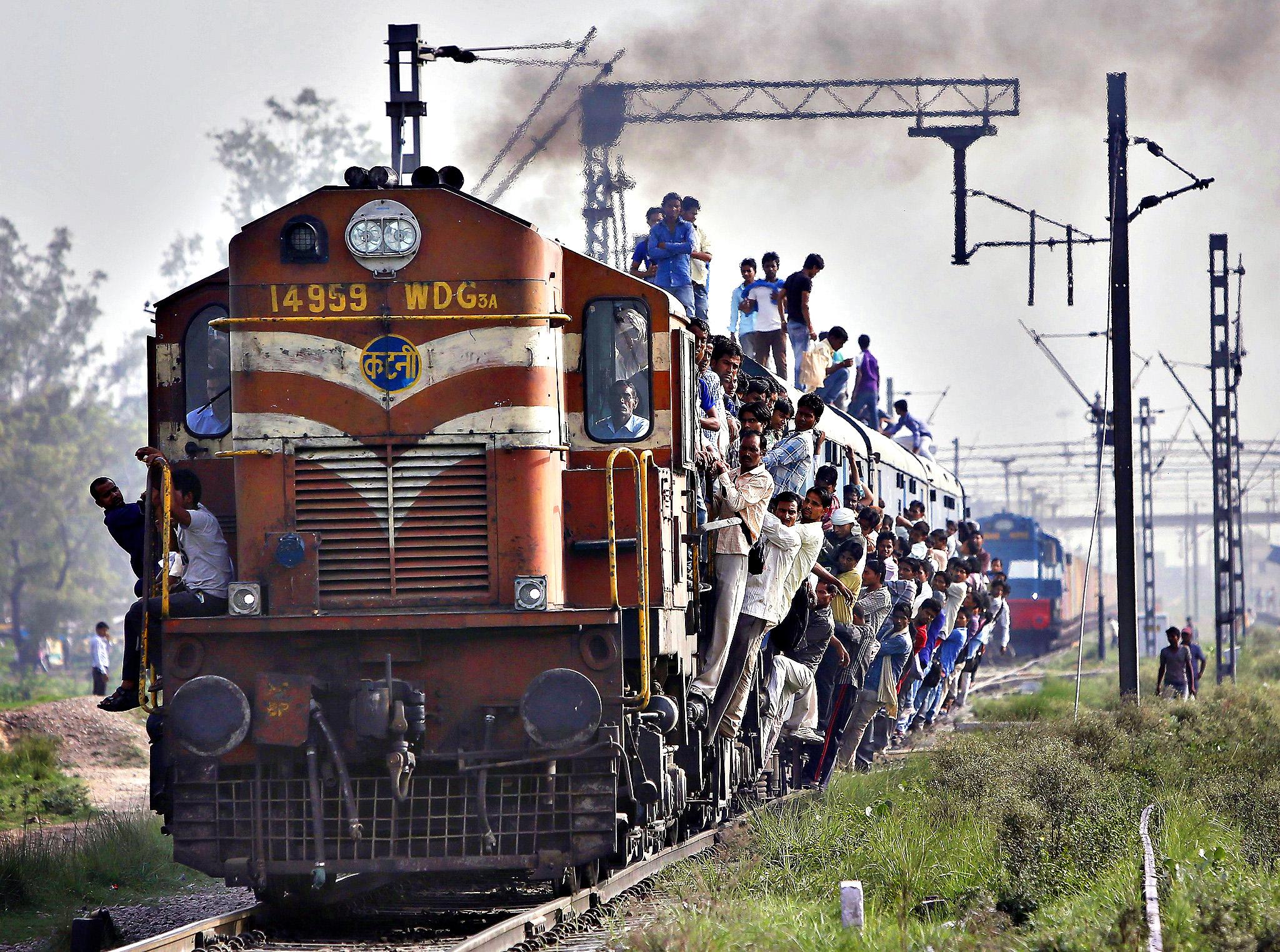 фото индийских поезд при