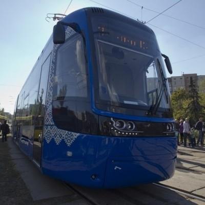 В Киев привезли еще один польский трамвай