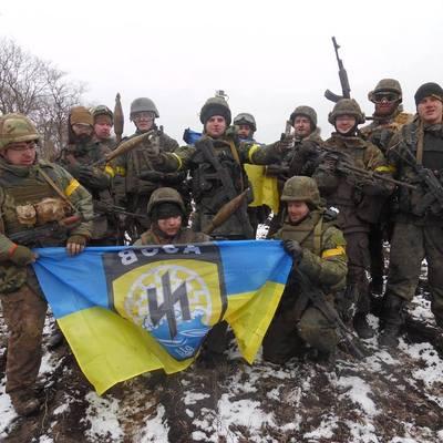 У «Азова» угнали бронемашину (фото)