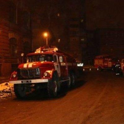 Подземный пожар в Киеве: спасателей долго не допускали к ликвидации (Фото)