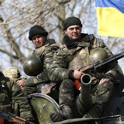 В результате обстрелов боевиков в Луганской области ранены пять украинских военных