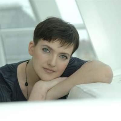 Надежда Савченко пришла в театр на лабутенах и в соблазнительных штанах (фото)