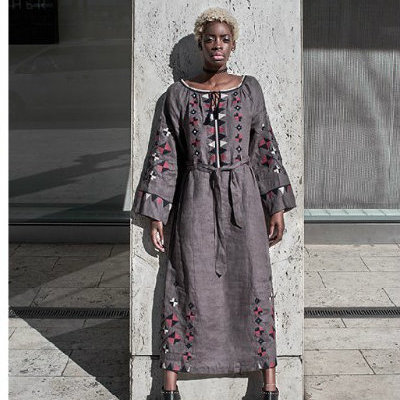 Чернокожая модель рекламирует вышиванки украинского бренда (фото)