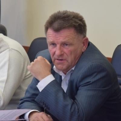 Депутат облсовета назвал флаг Украины бандеровским, с которым немцев встречали (видео)