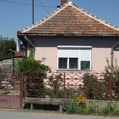 В Венгрии у границы с Украиной можно купить недвижимость за $ 200-300 (ФОТО)