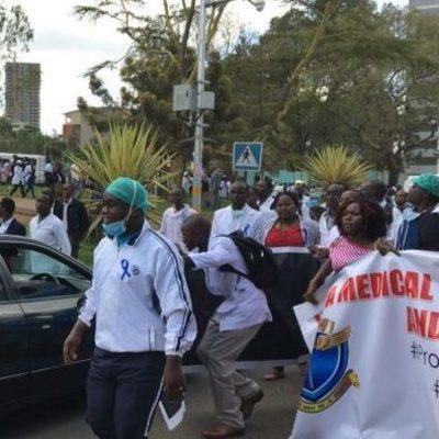 В Кении сбежали 87 пациентов психбольницы, пока персонал бастовал (Видео)