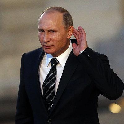 Здравствуй, маразм: Путин пришел на интервью с собакой (фото)
