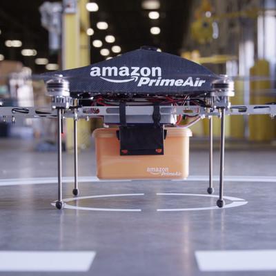 Amazon показала первую настоящую доставку дроном товара из магазина (Видео)