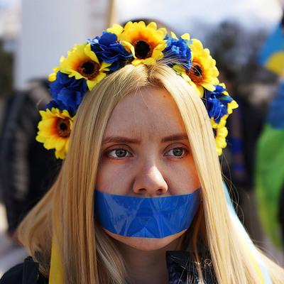 Запад отодвигает Украину на второй план, - мнение эксперта
