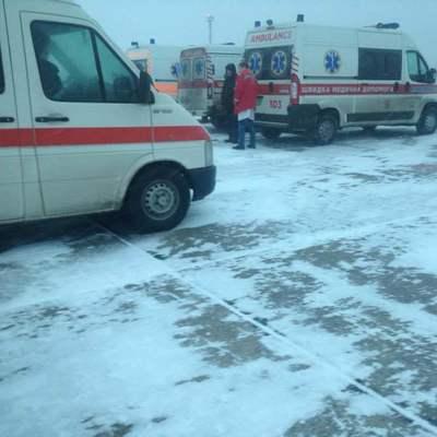 Самолет с ранеными в зоне АТО из-за непогоды не долетел в Одессу (видео)