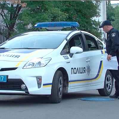 В Киеве со стрельбой задержали водителя, сбившего полицейского