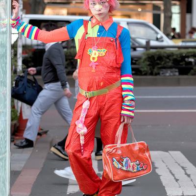 Стильные наряды японских модников на улицах Токио (ФОТО)