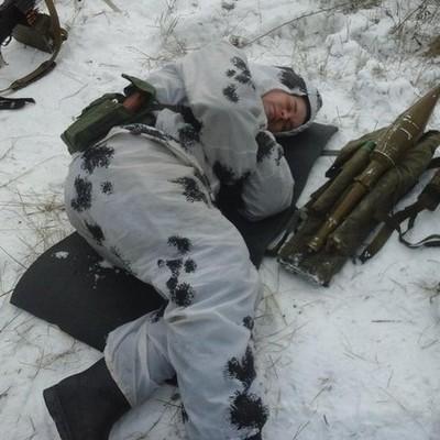 Боевики разбомбили блиндаж украинских военных вблизи Горловки (Видео)