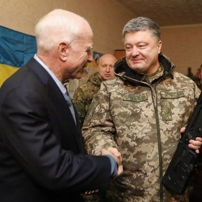 Новый год на фронте: Порошенко встретился с бойцами АТО в районе Широкино