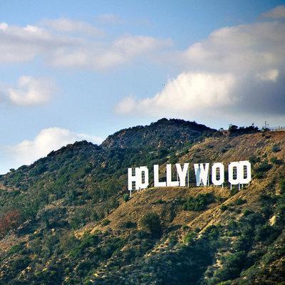 Любители марихуаны надругались над знаменитым знаком «Hollywood»