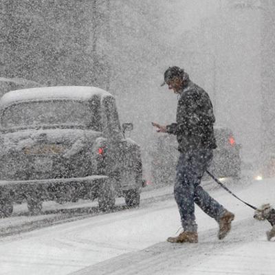 Атмосферный циклон принёс в Украину снегопады