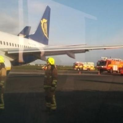 В аэропорту Канады не разминулись два самолета