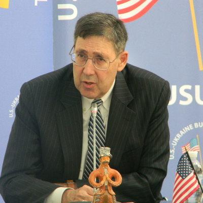 Экс-посол: США будут говорить с Россией с позиции силы