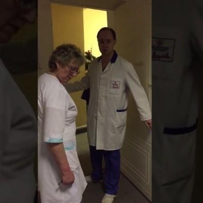 В России врач попросил подождать истекающего кровью мужчину (видео, 18+)